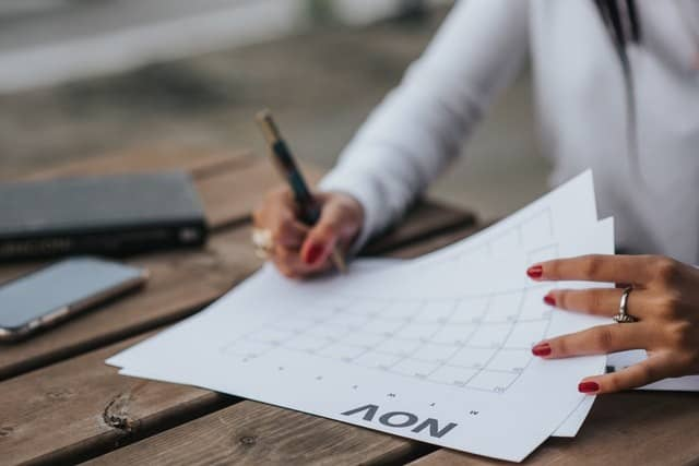 How To Organize Your Fashion Calendar To Optimize Buy and Sales Date? - Go Easy With These Tips