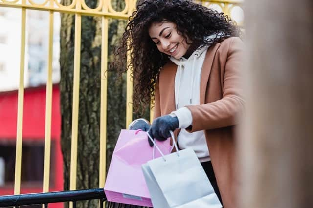 Top 7 Upselling Strategies to Increase Sales in Fashion Retail